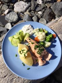 Fersk havlaks, med selvplukket gressløk...mmmmm.